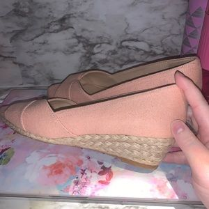 EUC; open toe pink wedges